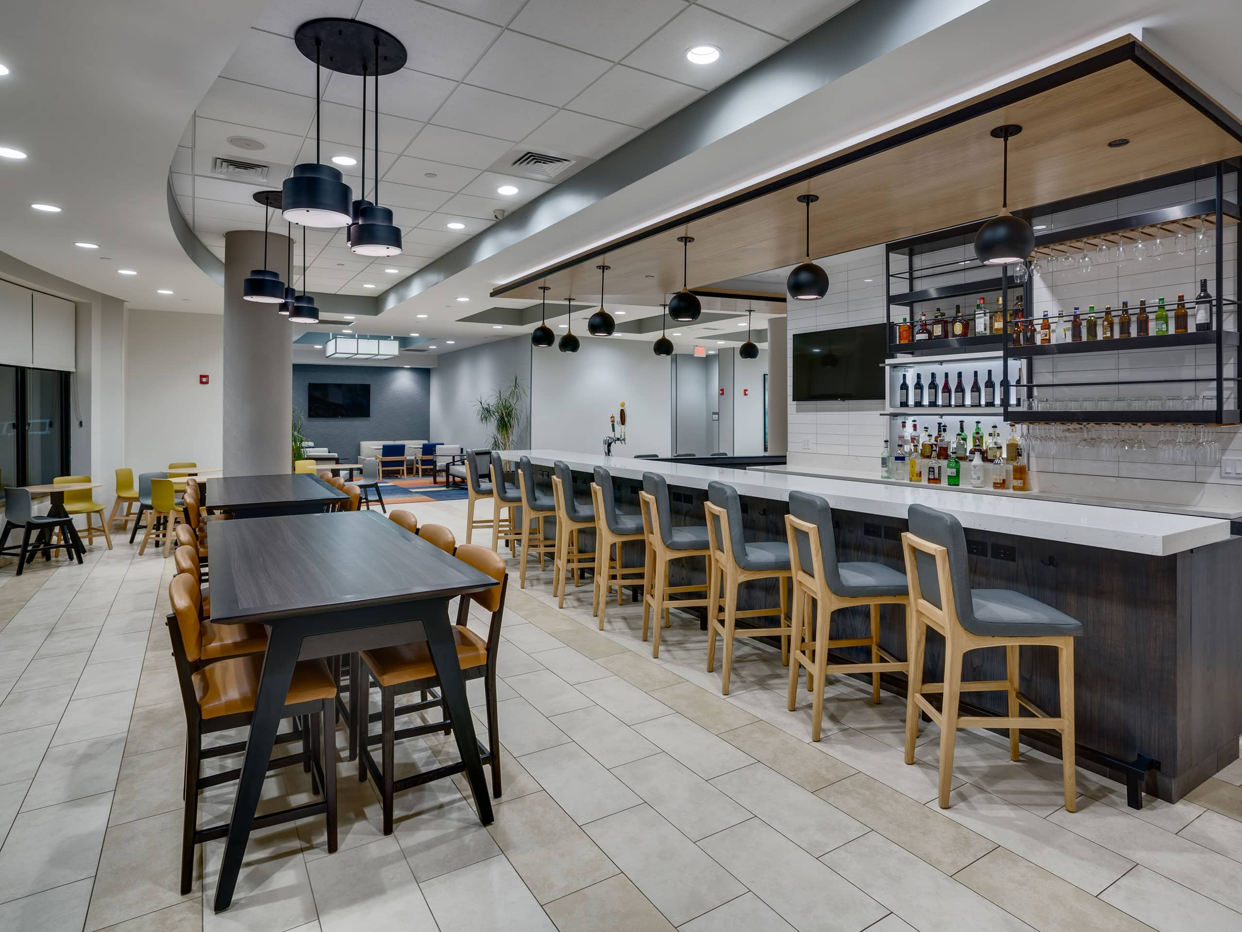 Dining | Hyatt House Pittsburgh / Bloomfield / Shadyside