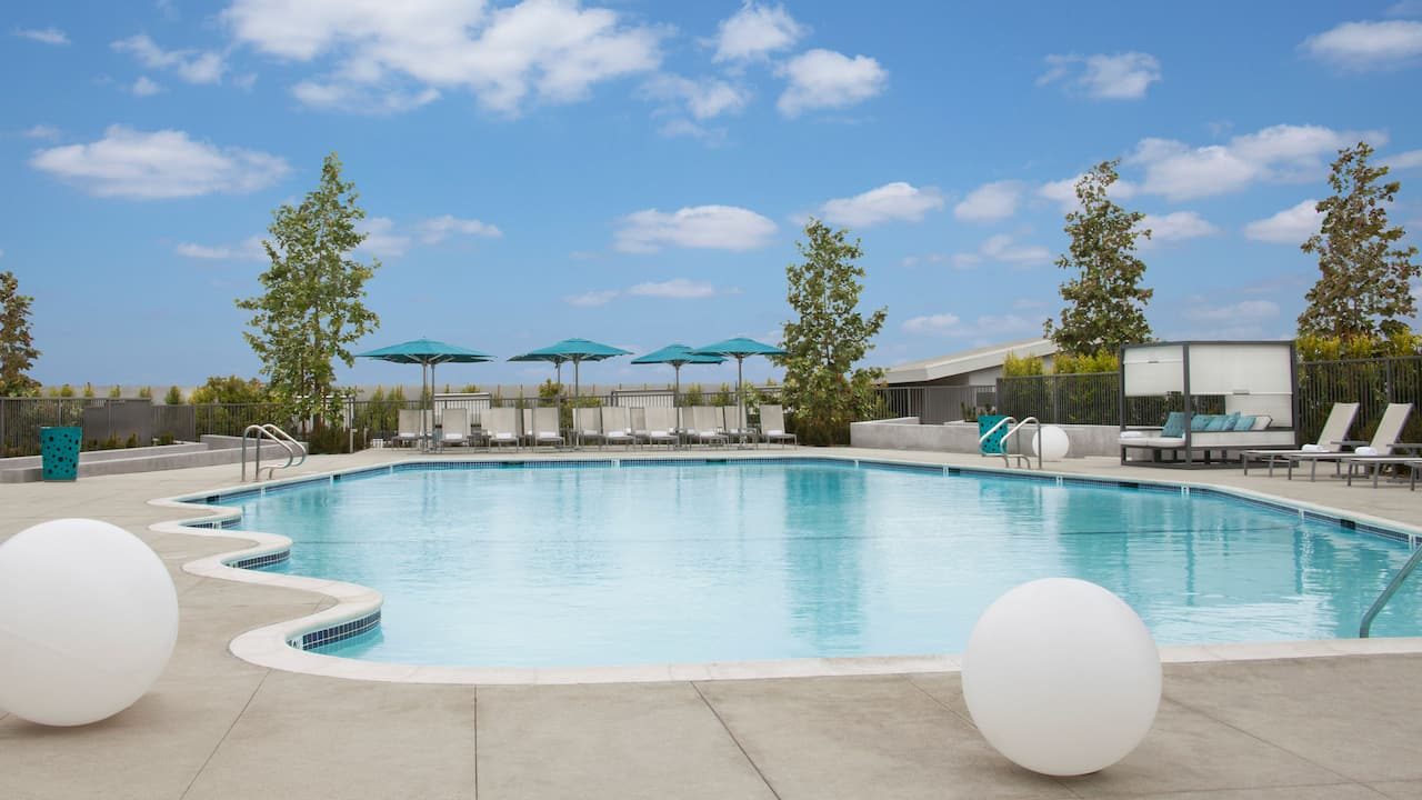 Hotel Pool at Hyatt Regency Los Angeles International Airport