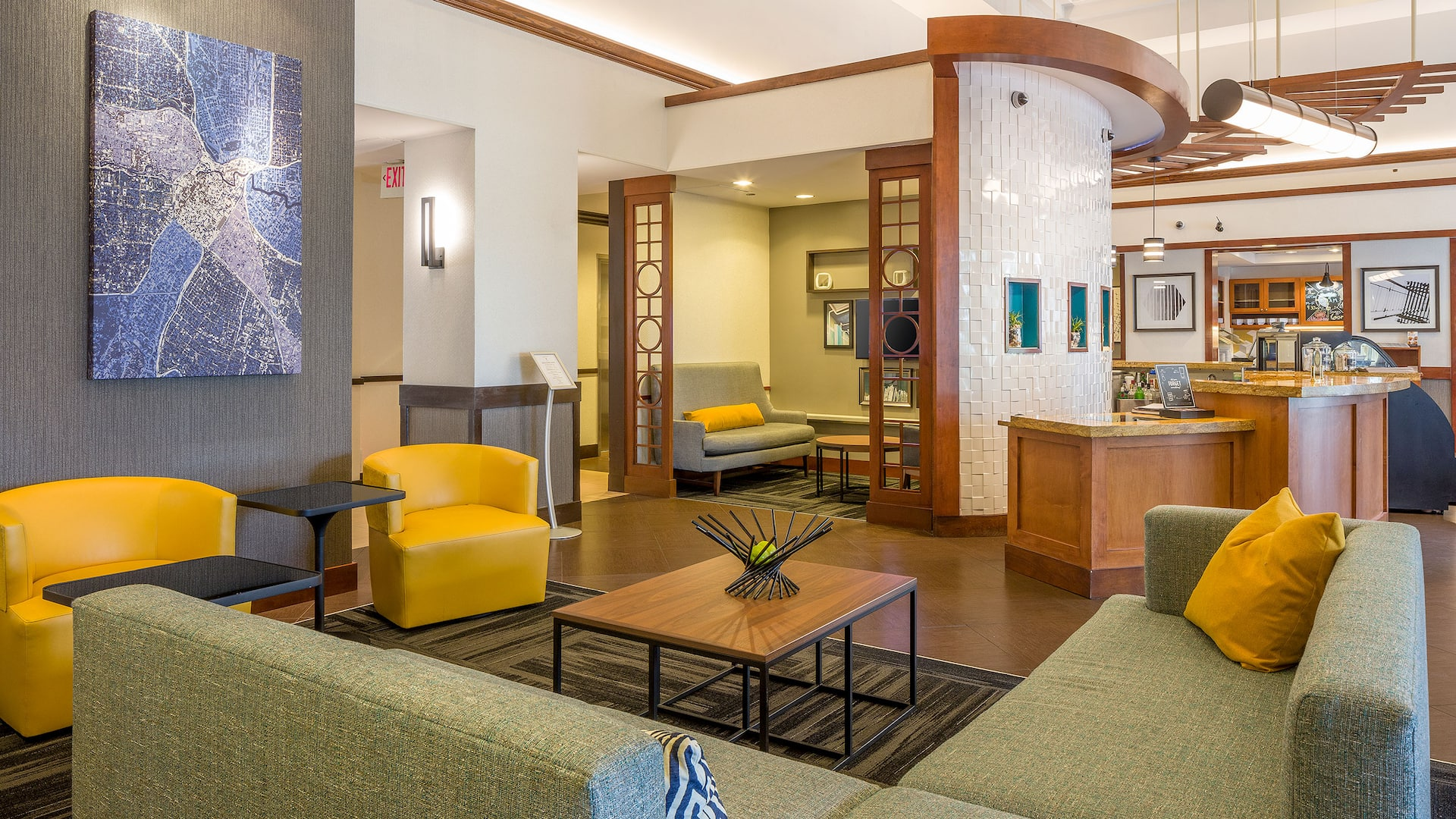 Inviting hotel lobby and lounge at Hyatt Place Austin / Arboretum
