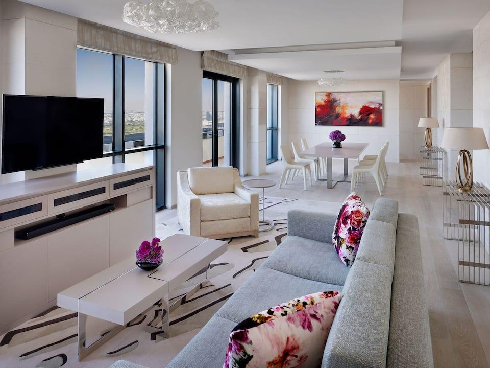 Hyatt Regency Dubai Suite