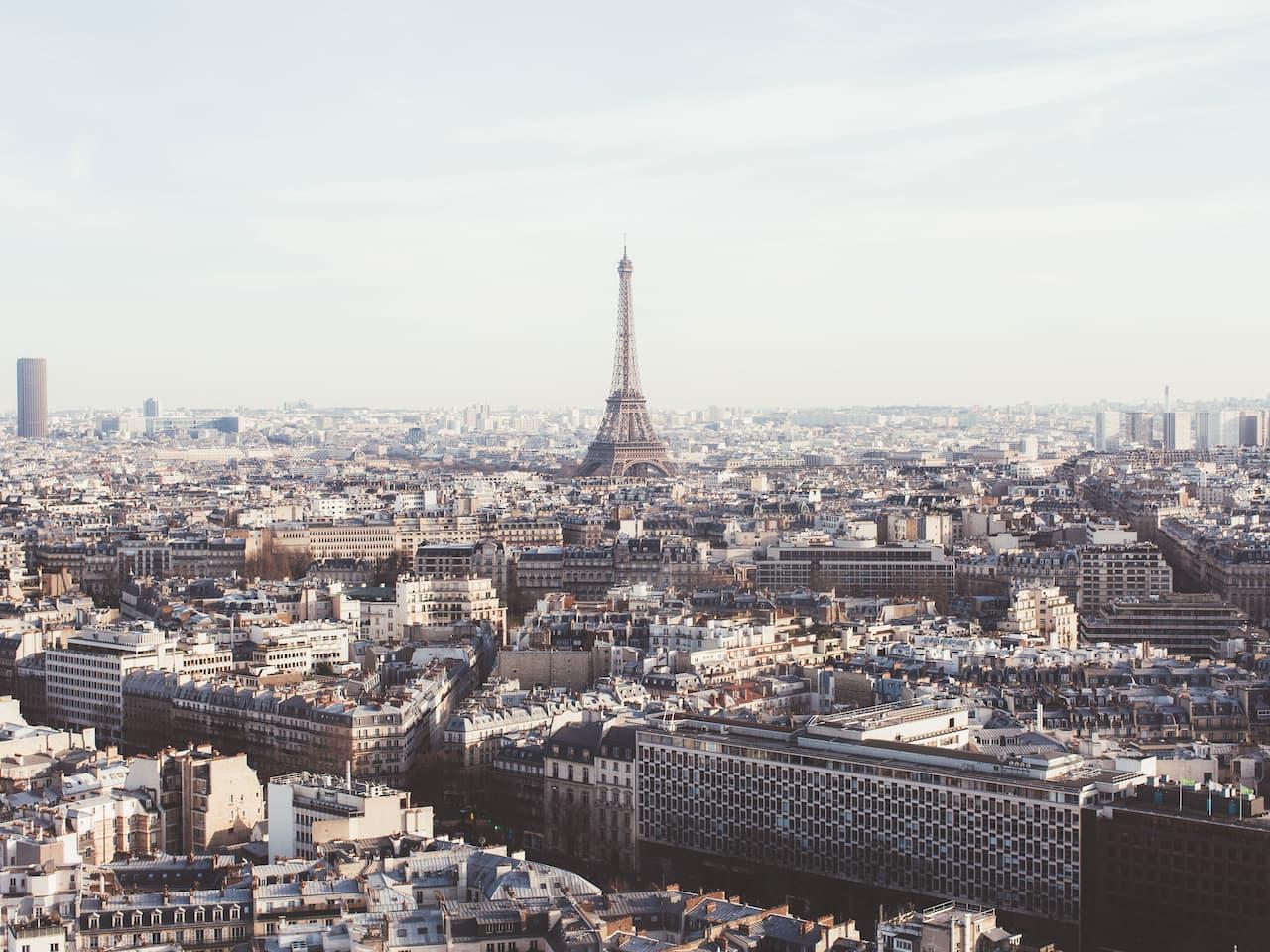 Hyatt Regency Paris Etoile Windo View