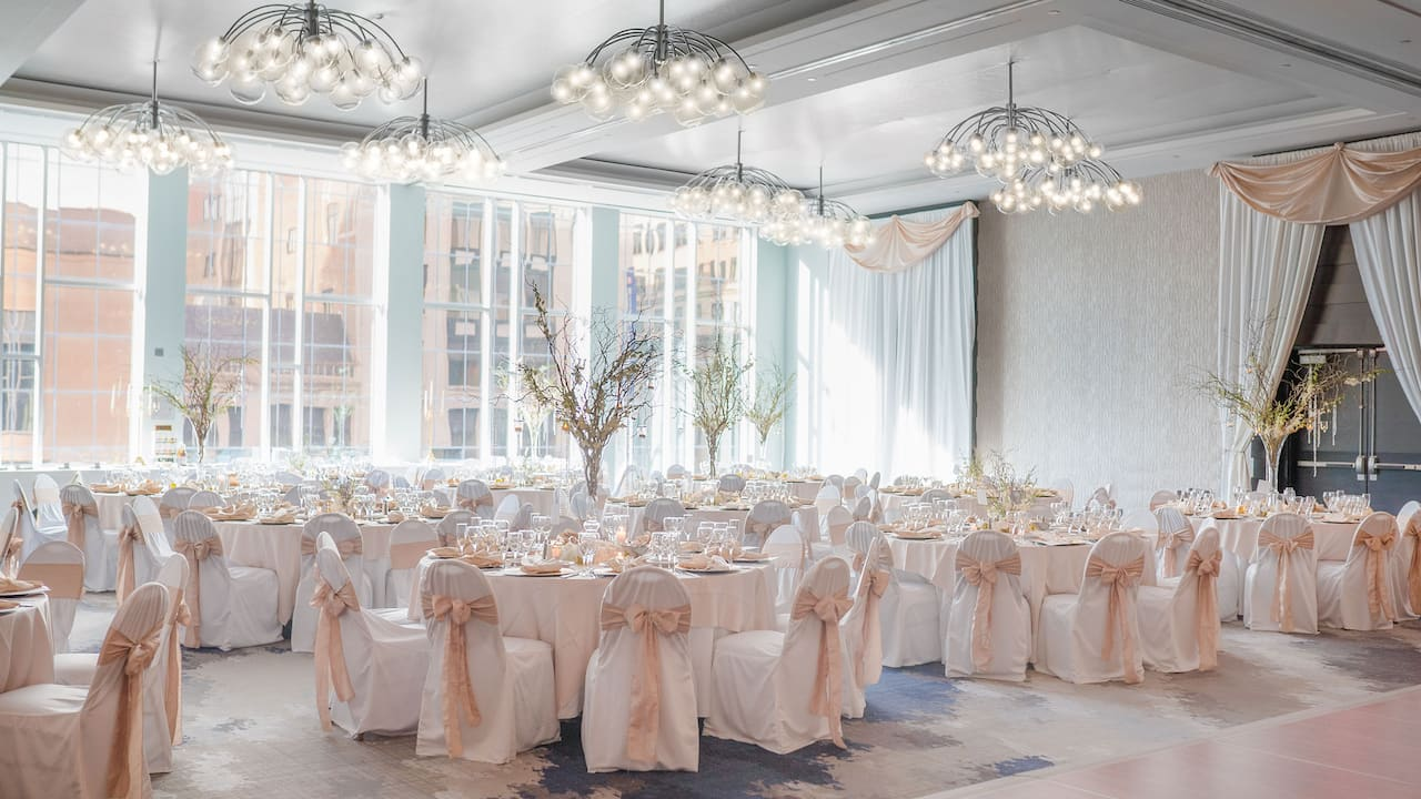 Bright and elegantly decorated wedding ballroom