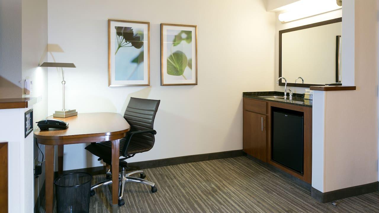 Work Desk Wet Bar