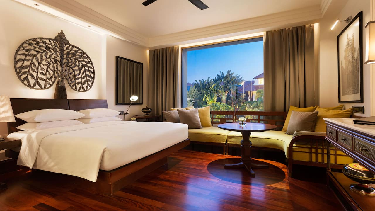 Luxury 5-star hotel in Siem Reap 1 King Bed with Garden View