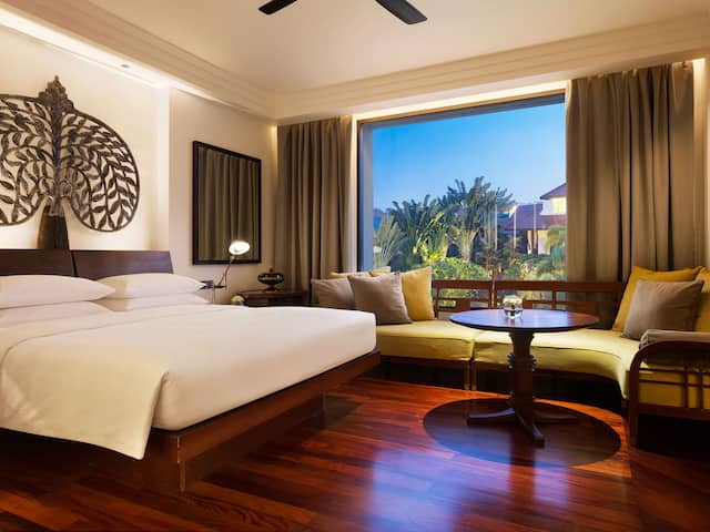 5-star Luxury Hotel in Siem Reap Park View King