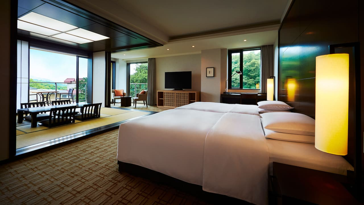 Suite with tatami mats