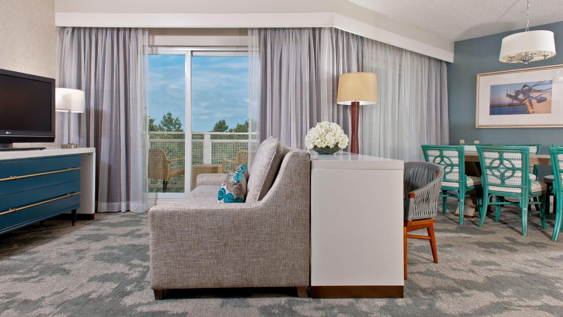 Guestroom Chesapeake Suite Parlor