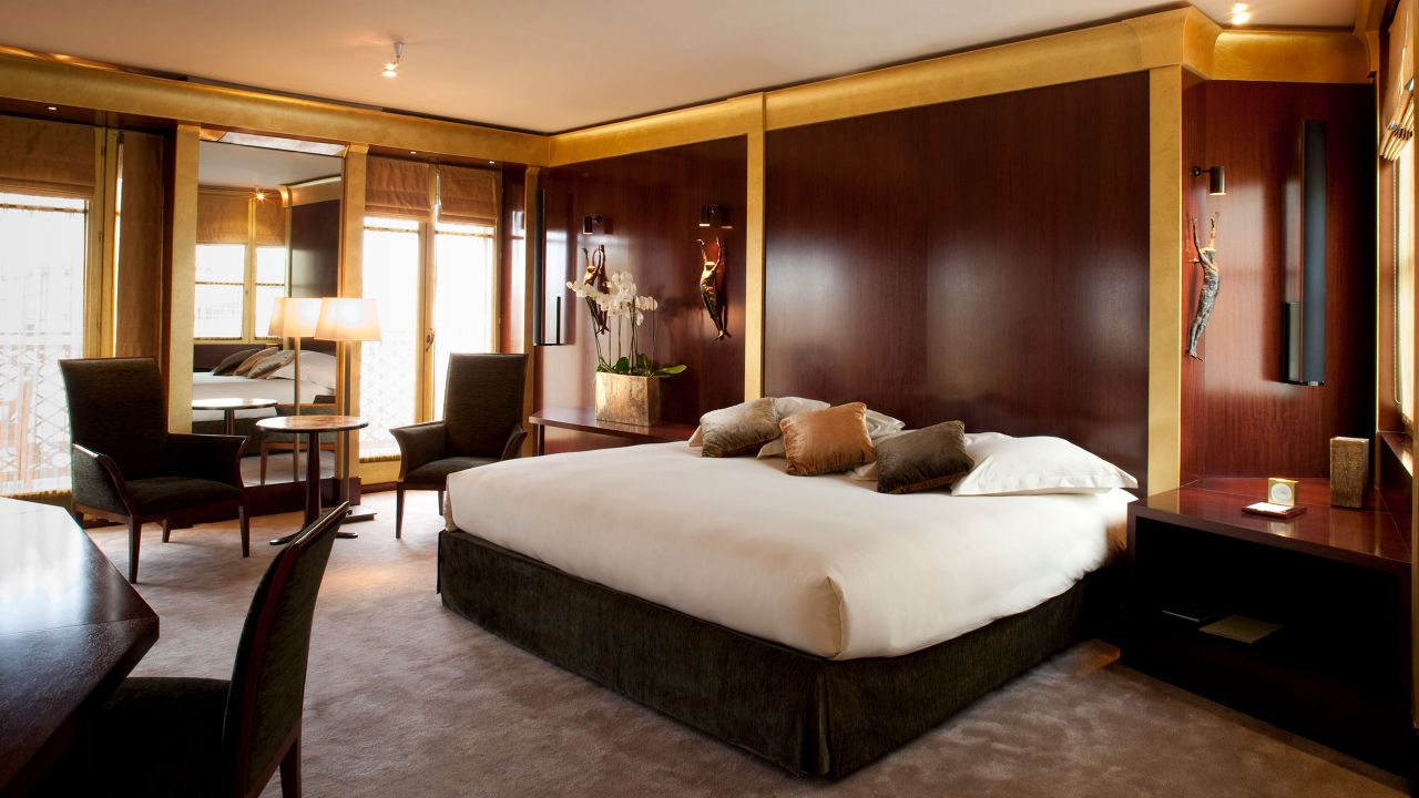 Bedroom Duplex Suite
