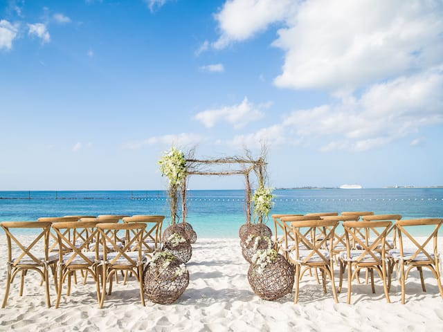 Outdoor Beach Wedding at Grand Hyatt Baha Mar