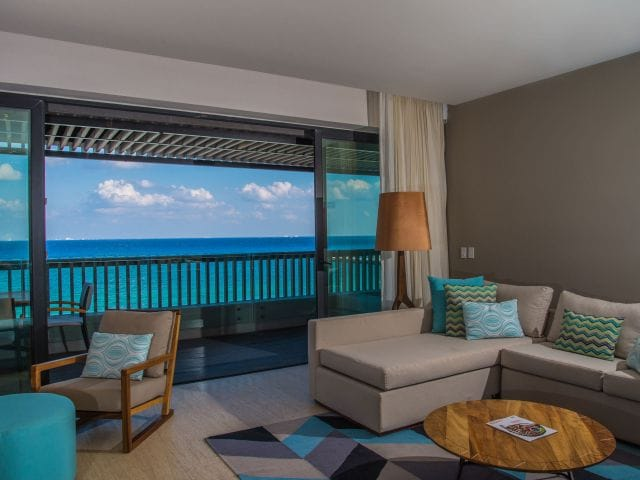 guestroom suite beach view