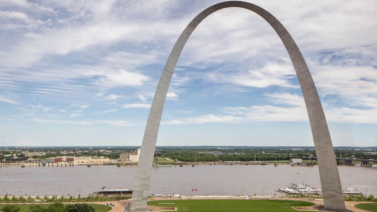 St Louis Arch Riverview