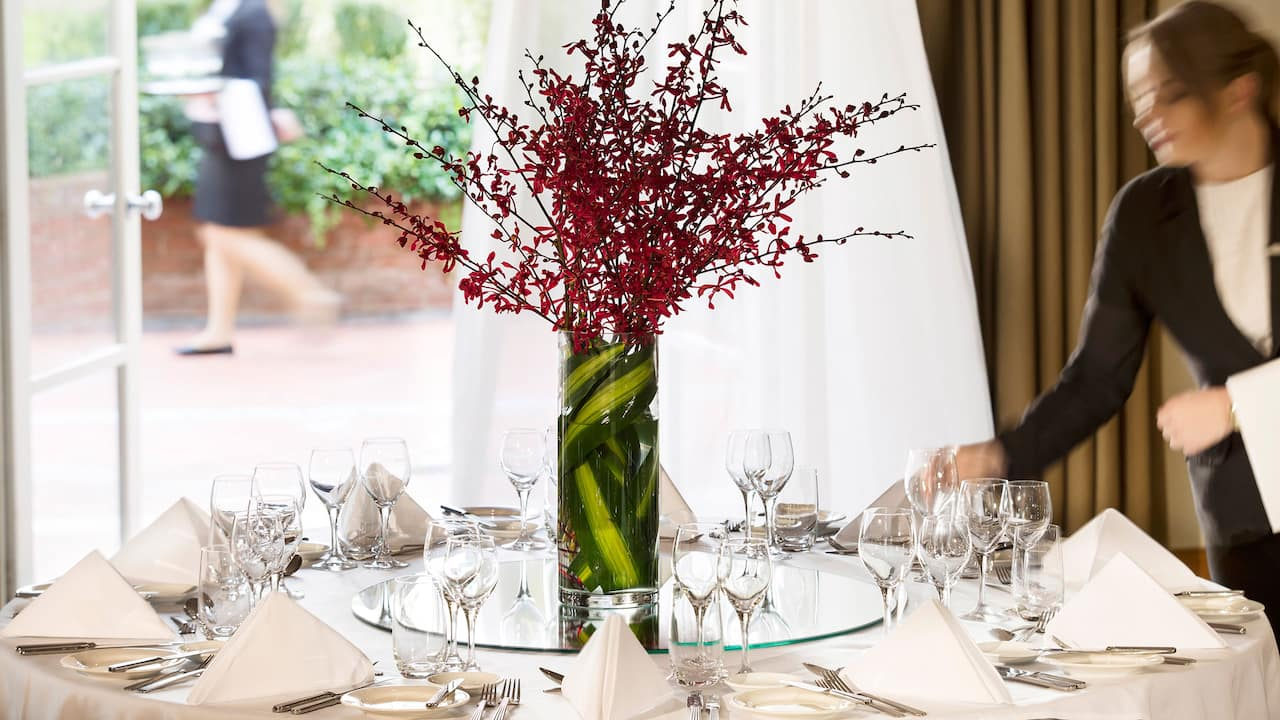 Table set with centerpiece