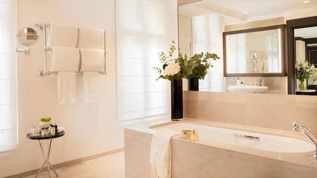 Hotel Hyatt Paris Madeleine Plate