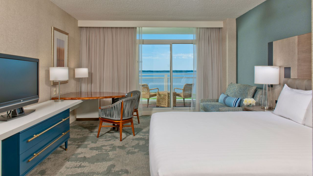 Guestrooms Water View King