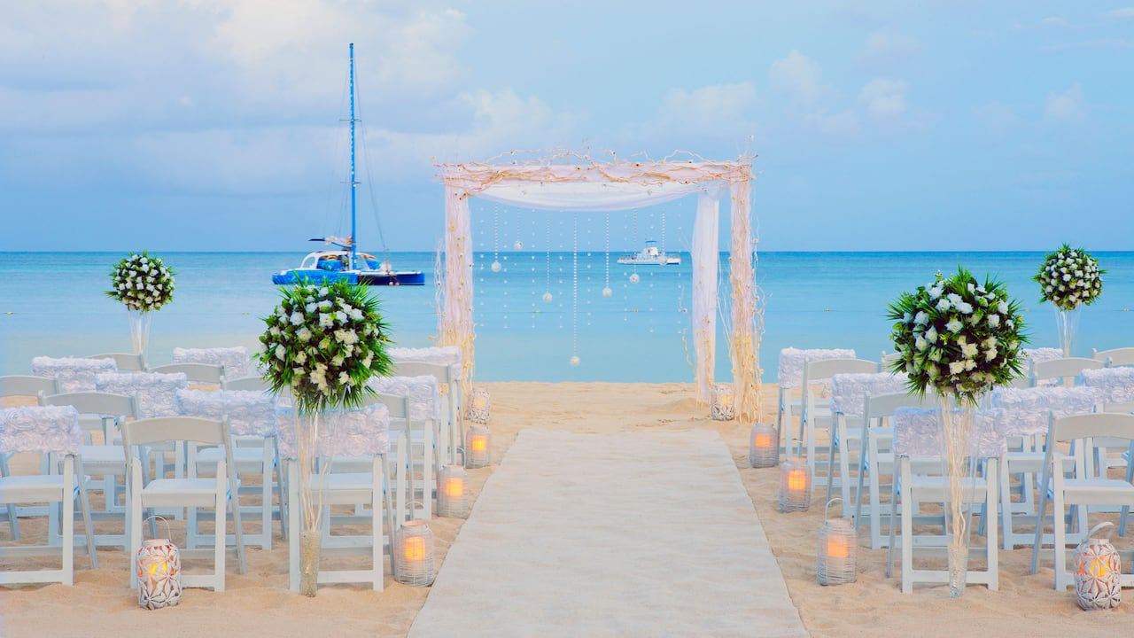 Caribbean Beach Wedding at Hyatt Regency Aruba Resort Spa and Casino