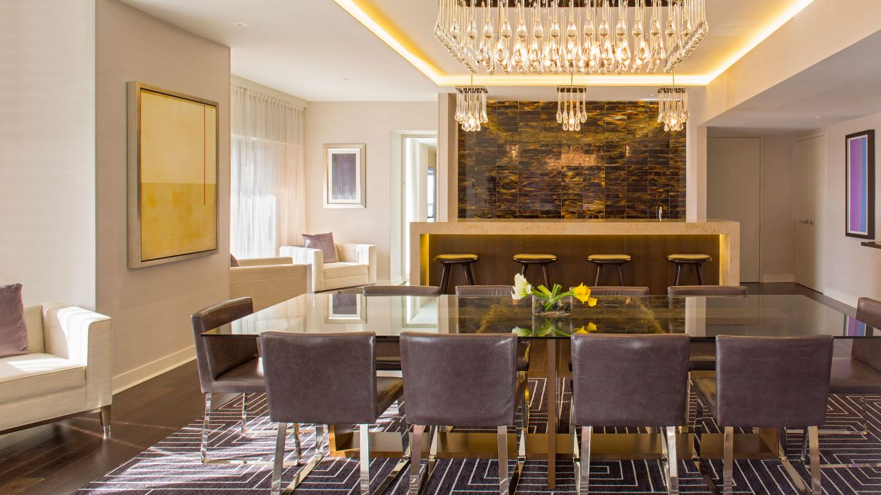 Young Suite Dining
