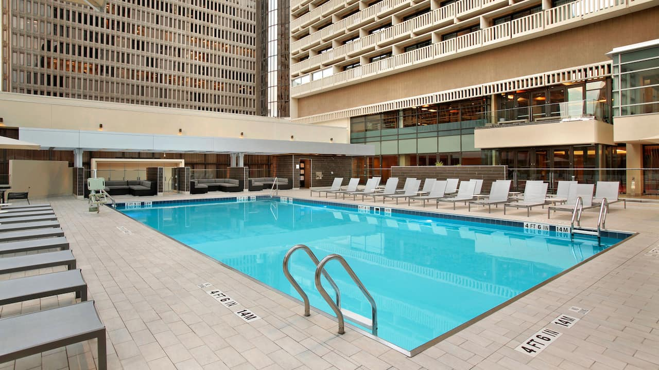 Outdoor Pool Hyatt Regency Atlanta