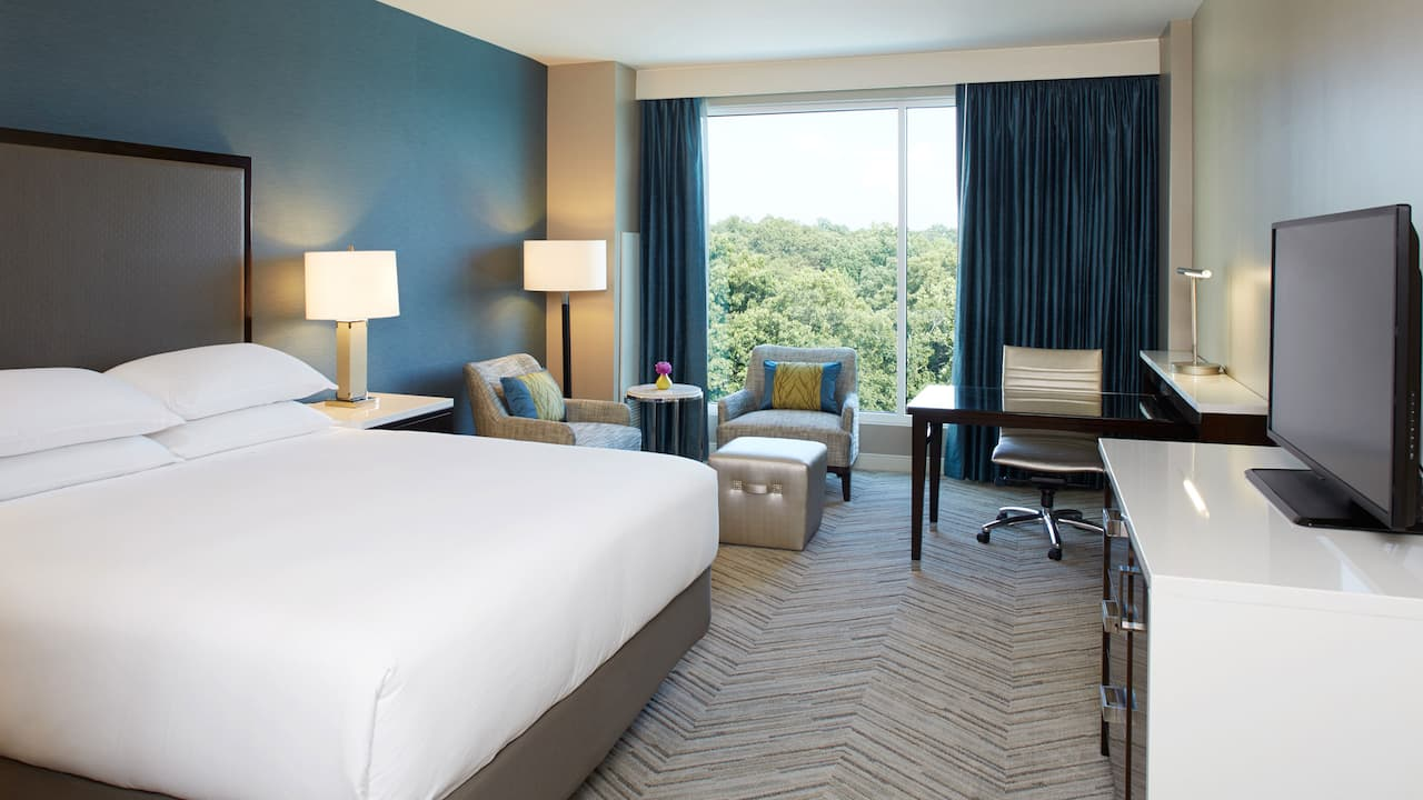Executive King Room Hyatt Regency Atlanta Perimeter at Villa Christina