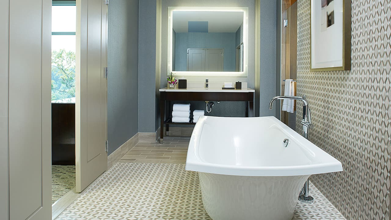 Villa Suite Bath Hyatt Regency Atlanta Perimeter at Villa Christina