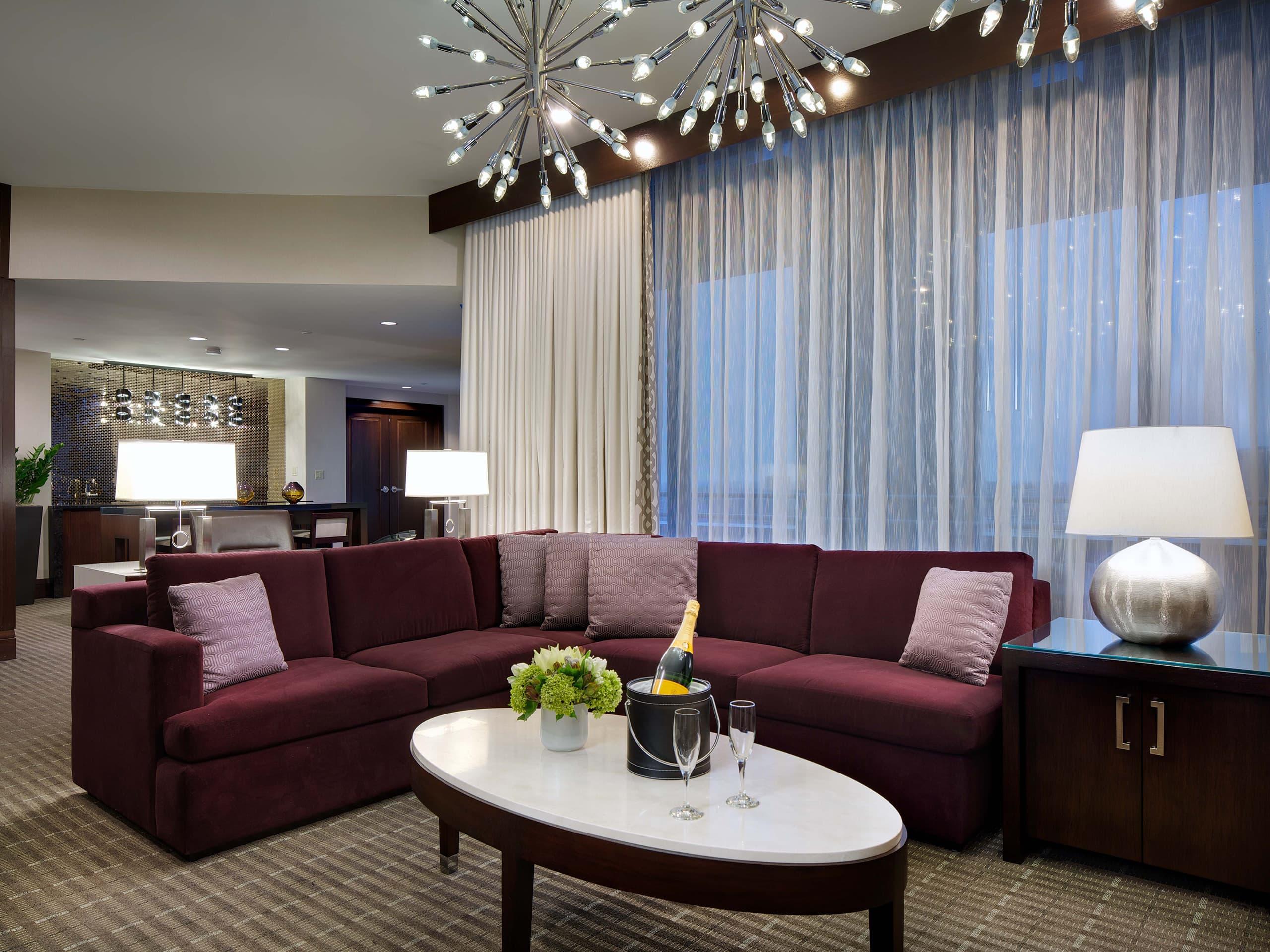 hotel in downtown boston near boston commons hyatt regency boston - The Living Room Boston