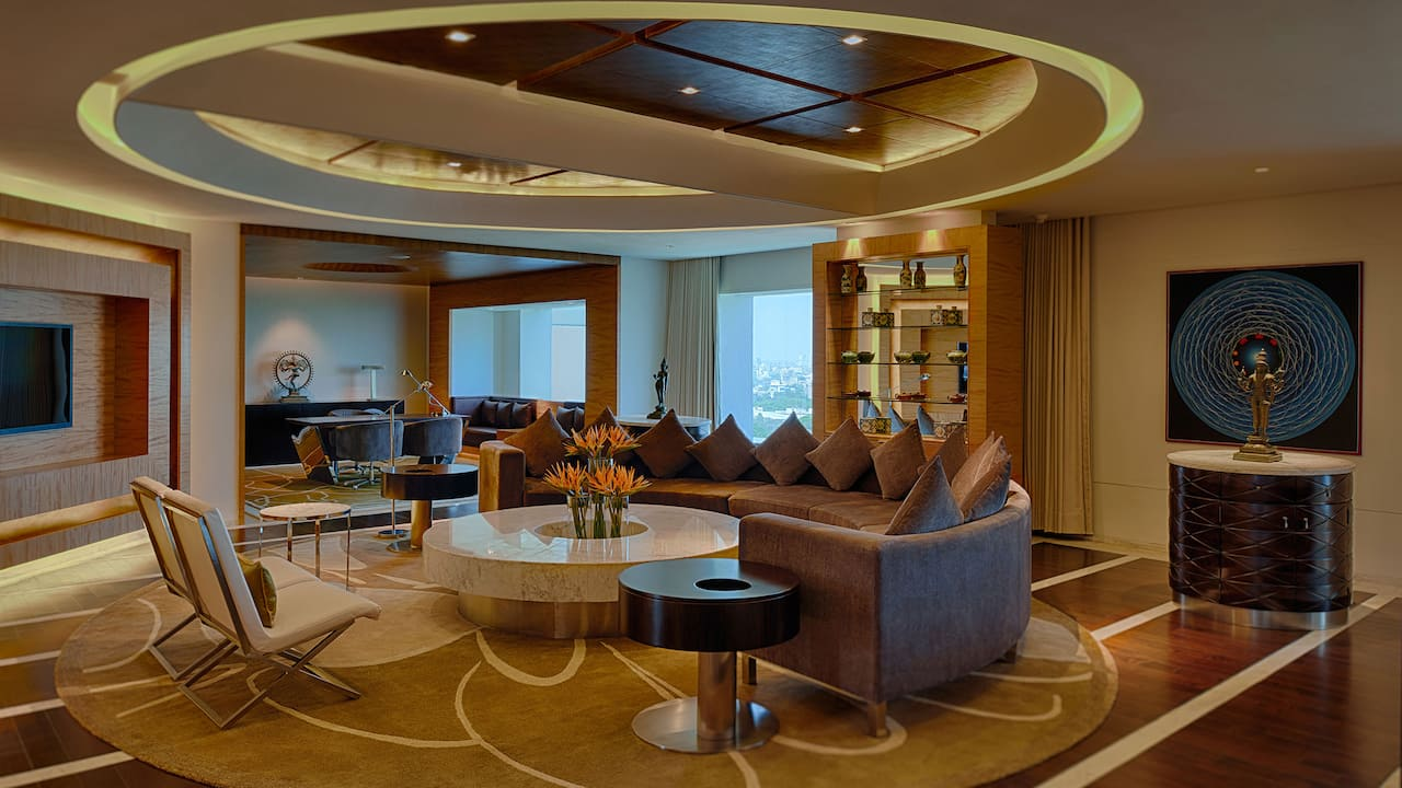 Lounge in presidential suite