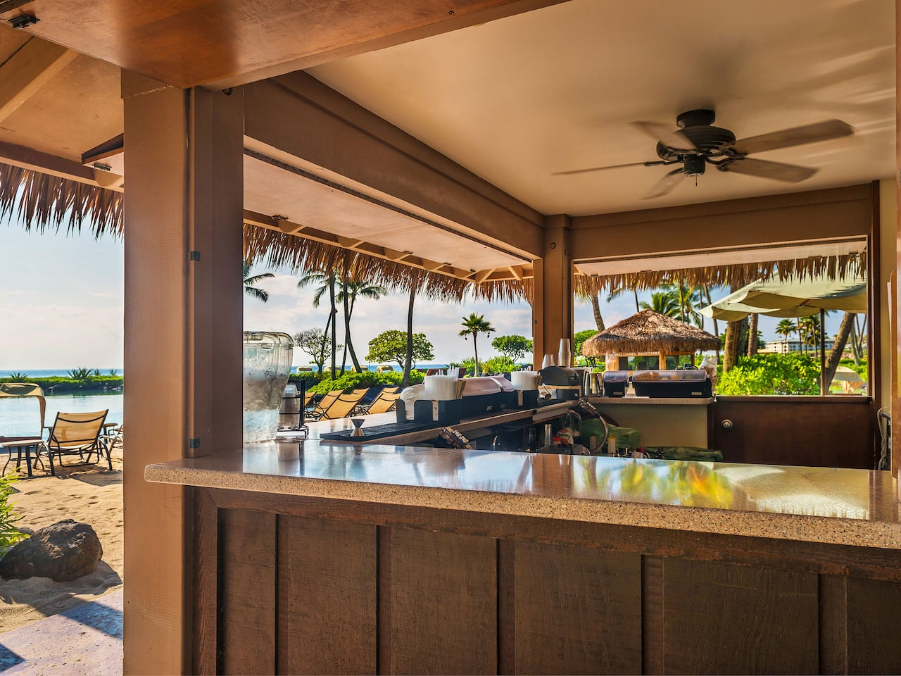 Grand Hyatt Kauai Resort Poolside Bar
