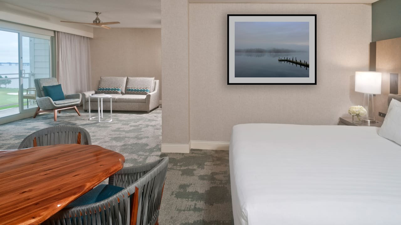 Guestroom Petite Suite