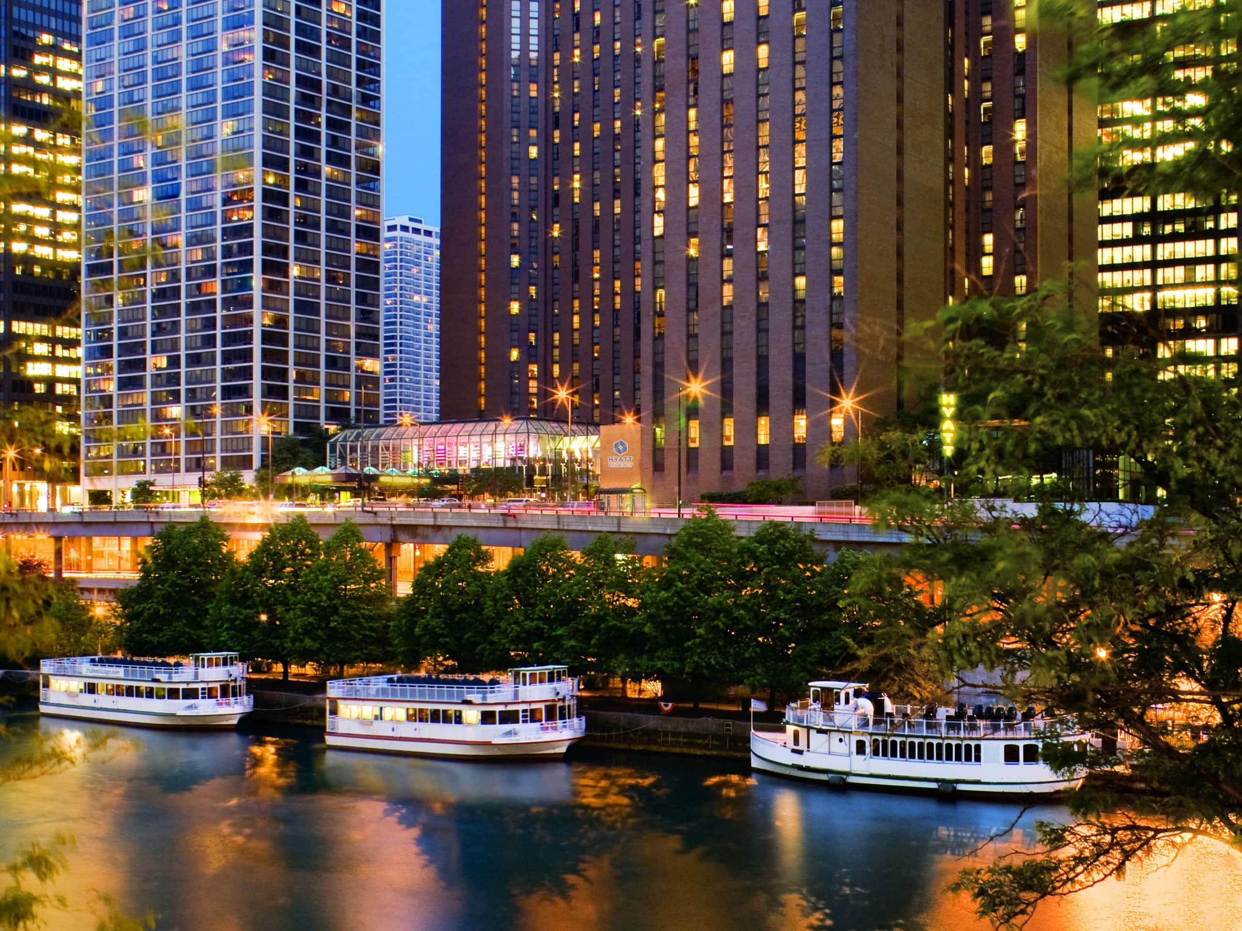 ネイビーピアに近いシカゴ中心街のホテル ハイアット リージェンシー