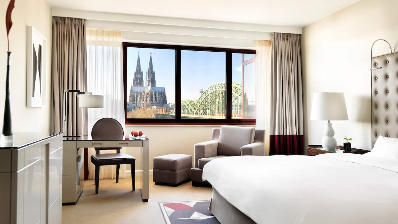 1 King Bed River View hotel room at Hyatt Regency Cologne