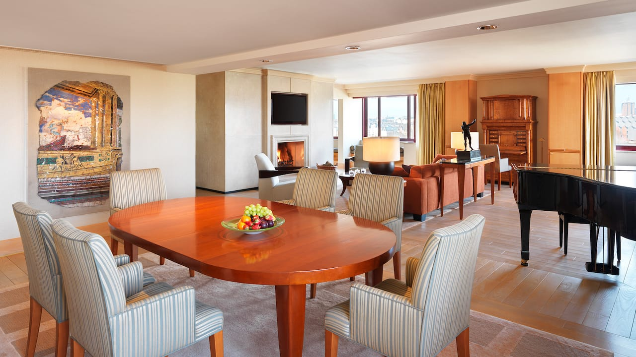 Presidential suite Living area at Hyatt regency Cologne