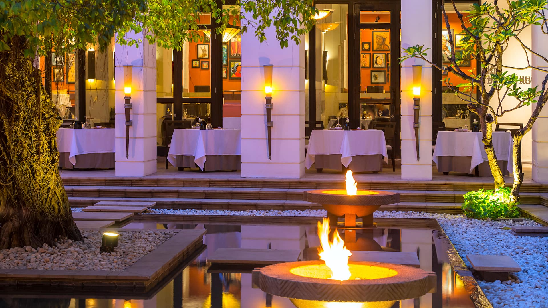 Best Restaurants in Siem Reap dining room courtyard