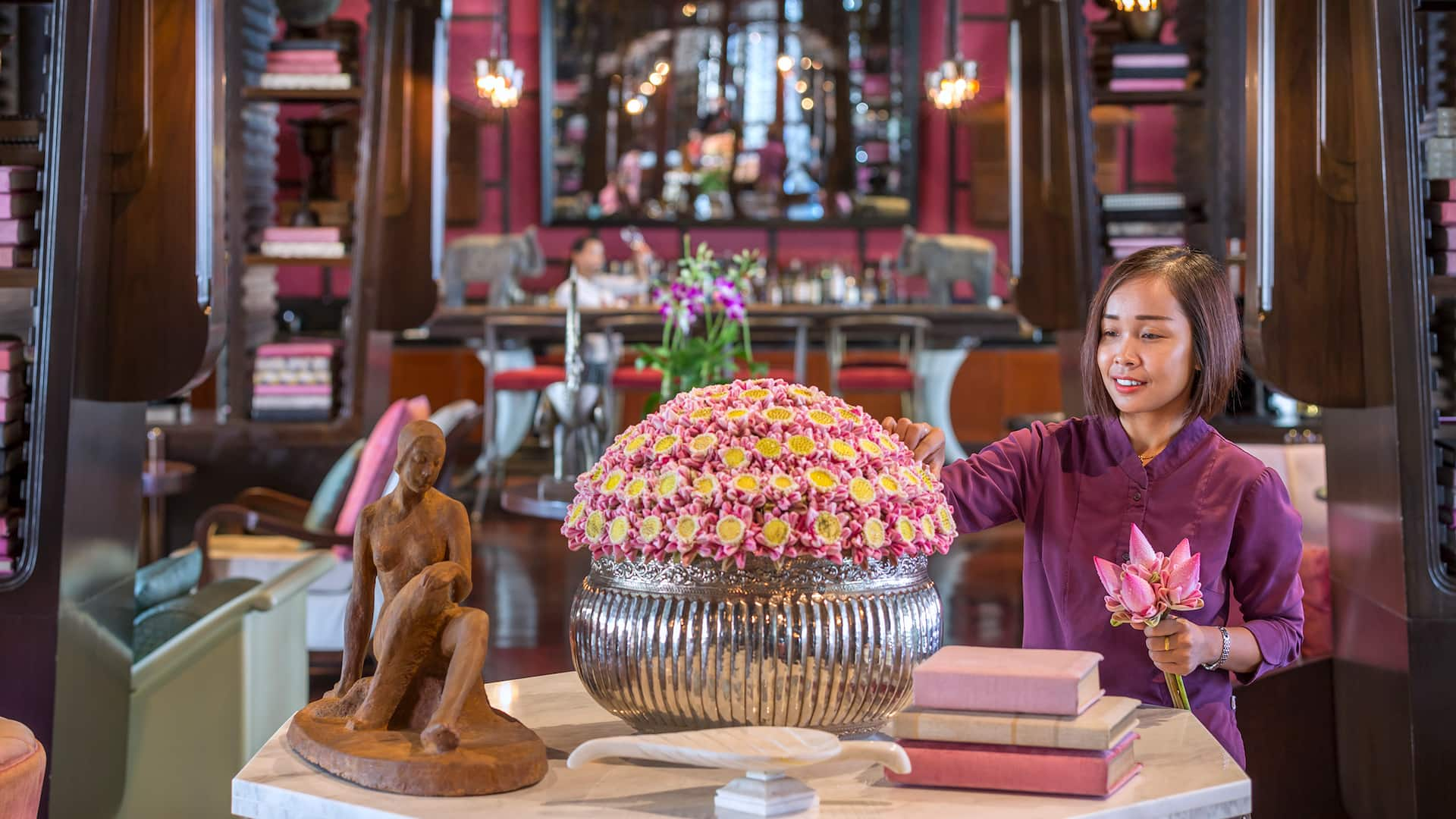 Best Restaurants in Siem Reap Lady with flower