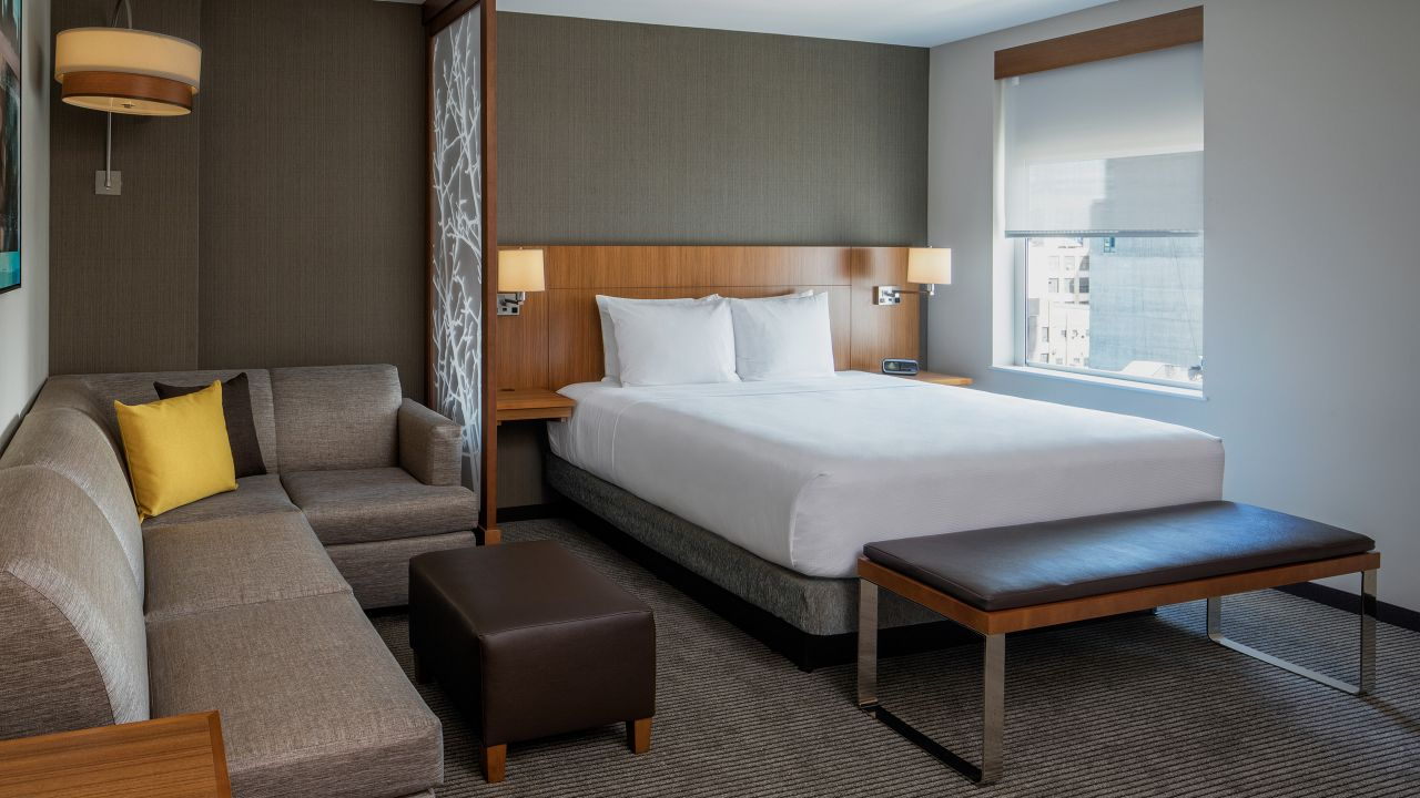 spacious hotel rooms near rockefeller center hyatt place long