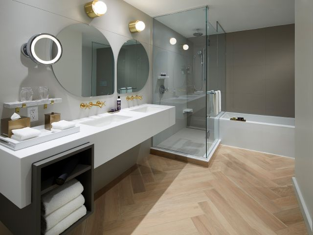 Andaz Ottawa Suite Bathroom