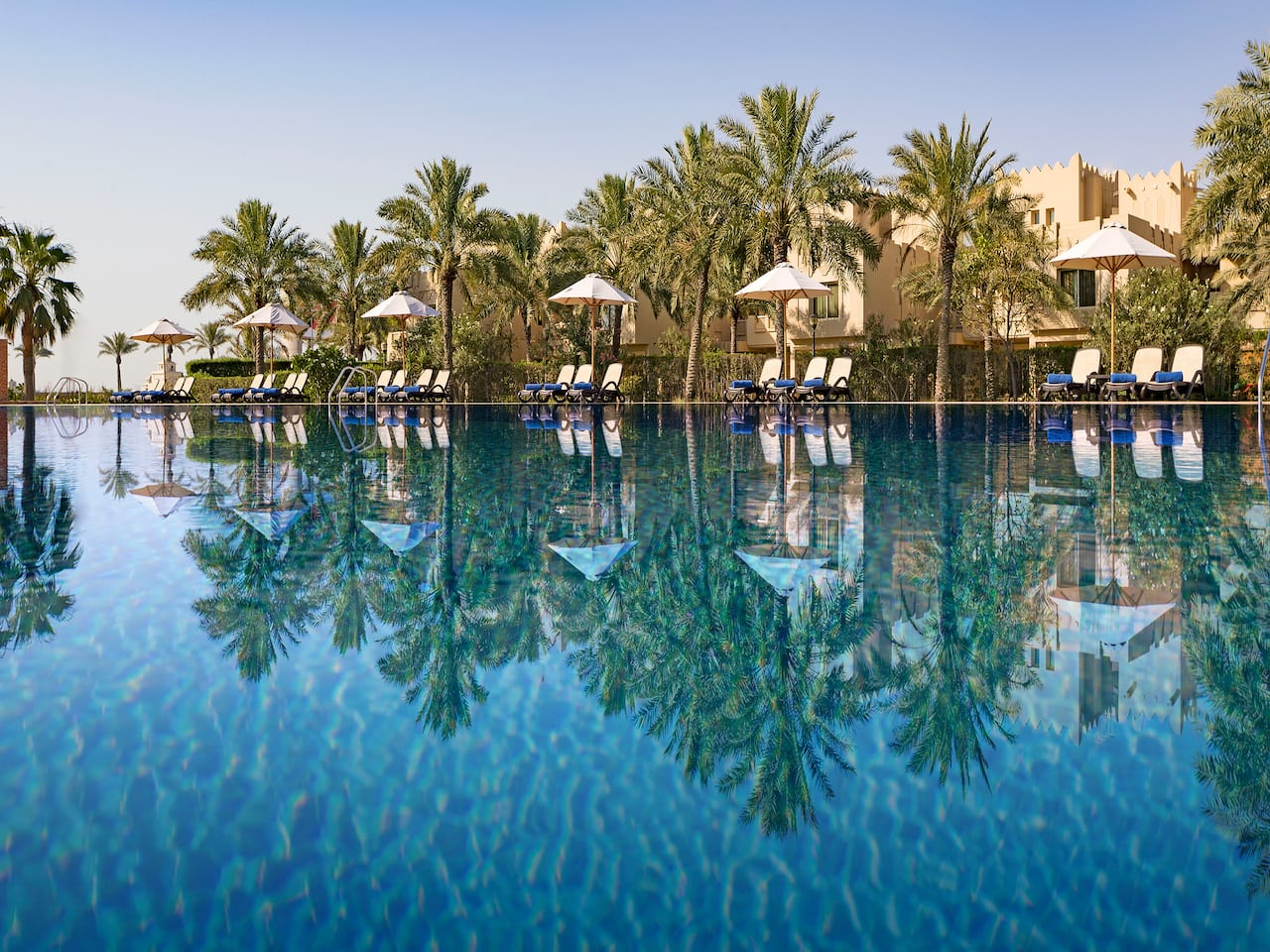 Swimming Pool at Grand Hyatt Doha Hotal & Villas