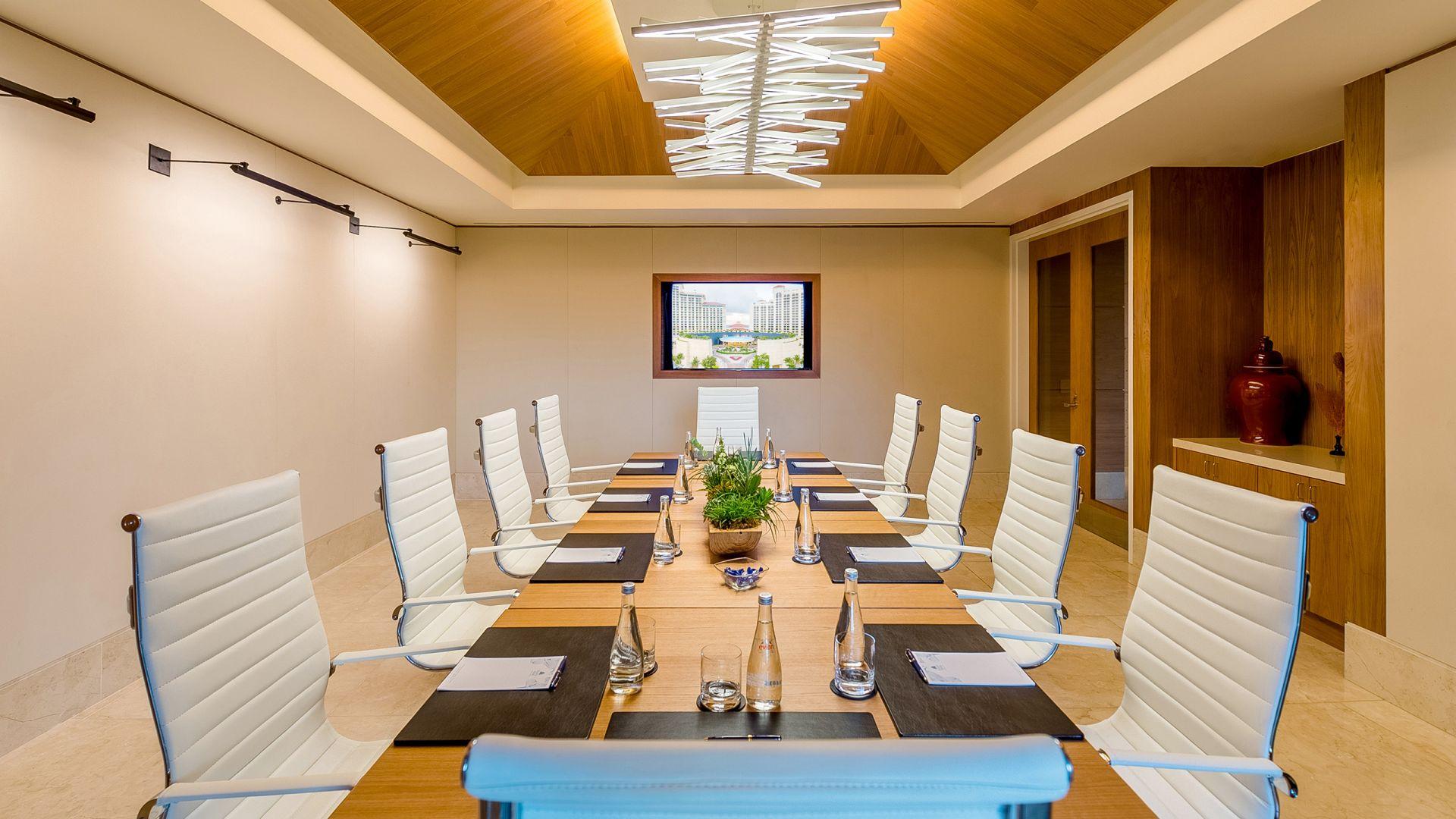 Grand Club Boardroom