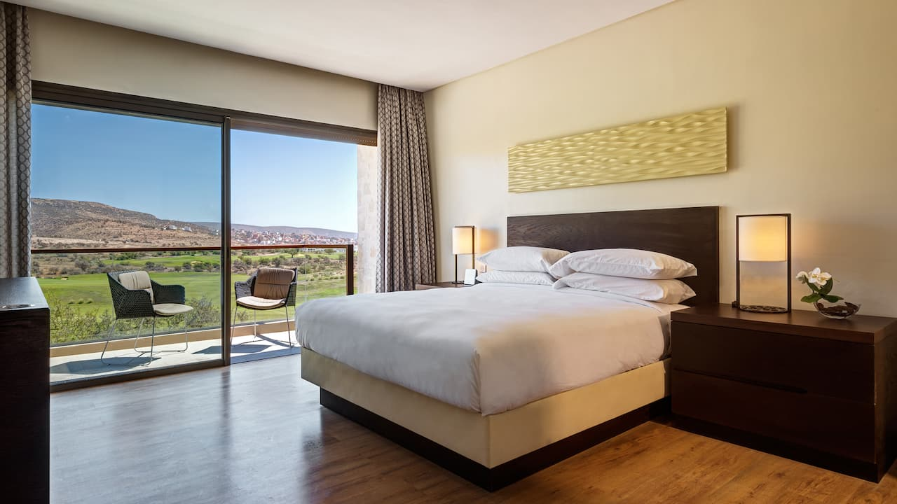 King Bedroom Golf View