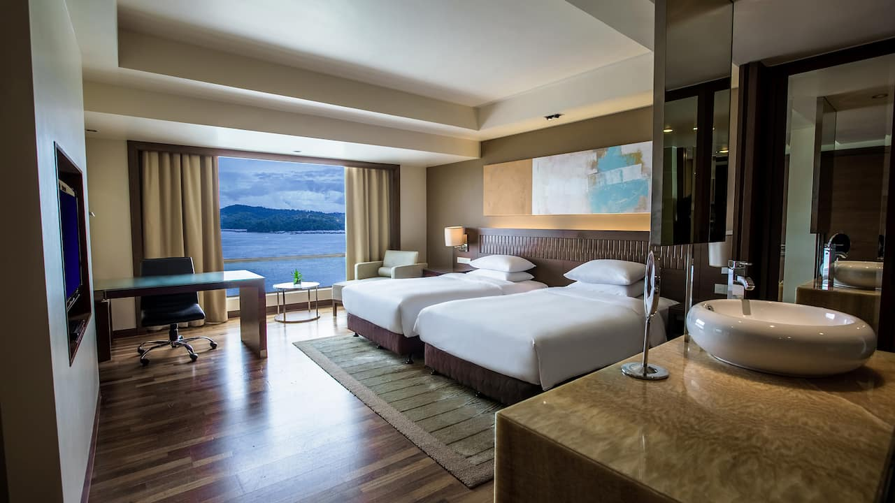 Hyatt Regency Kinabalu Sea View Room with 2 Twin Beds and Club Access