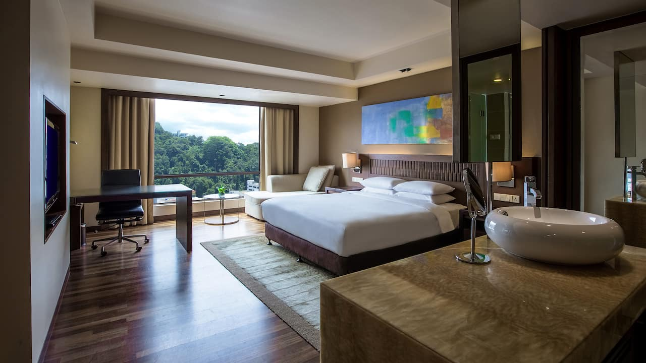 Hyatt Regency Kinabalu City View Room with 1 King Bed and Club Access