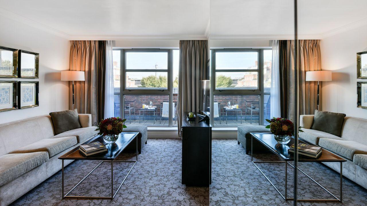 Balcony Suite Living Room