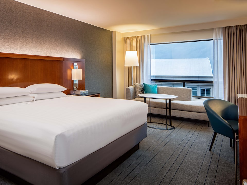 King room at the Hyatt Regency Crystal City near Reagan Washington National Airport