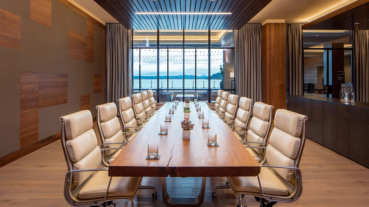 Conference boardroom Hyatt Regency Lake Washington at Seattle's Southport