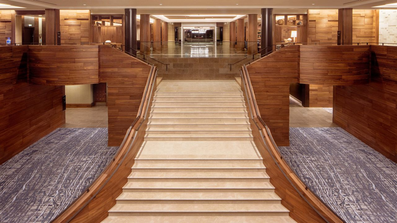 Grand stair prefunction space