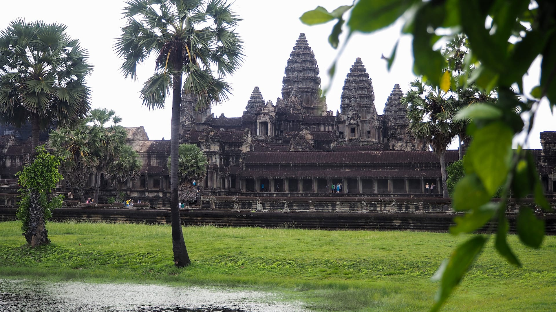 Luxury 5-star hotel in Siem Reap near Angkor Wat