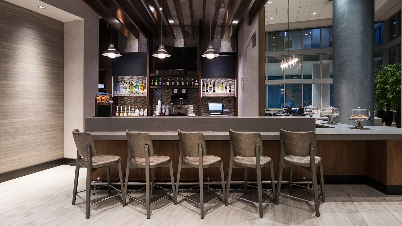 Hyatt Place St. Petersburg/Downtown Coffee to Cocktails