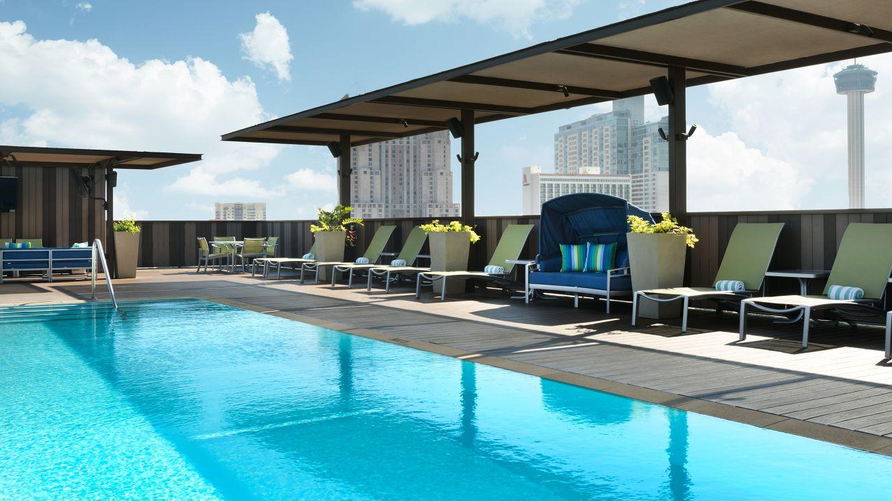 10 best hotels near the san antonio riverwalk. Black Bedroom Furniture Sets. Home Design Ideas