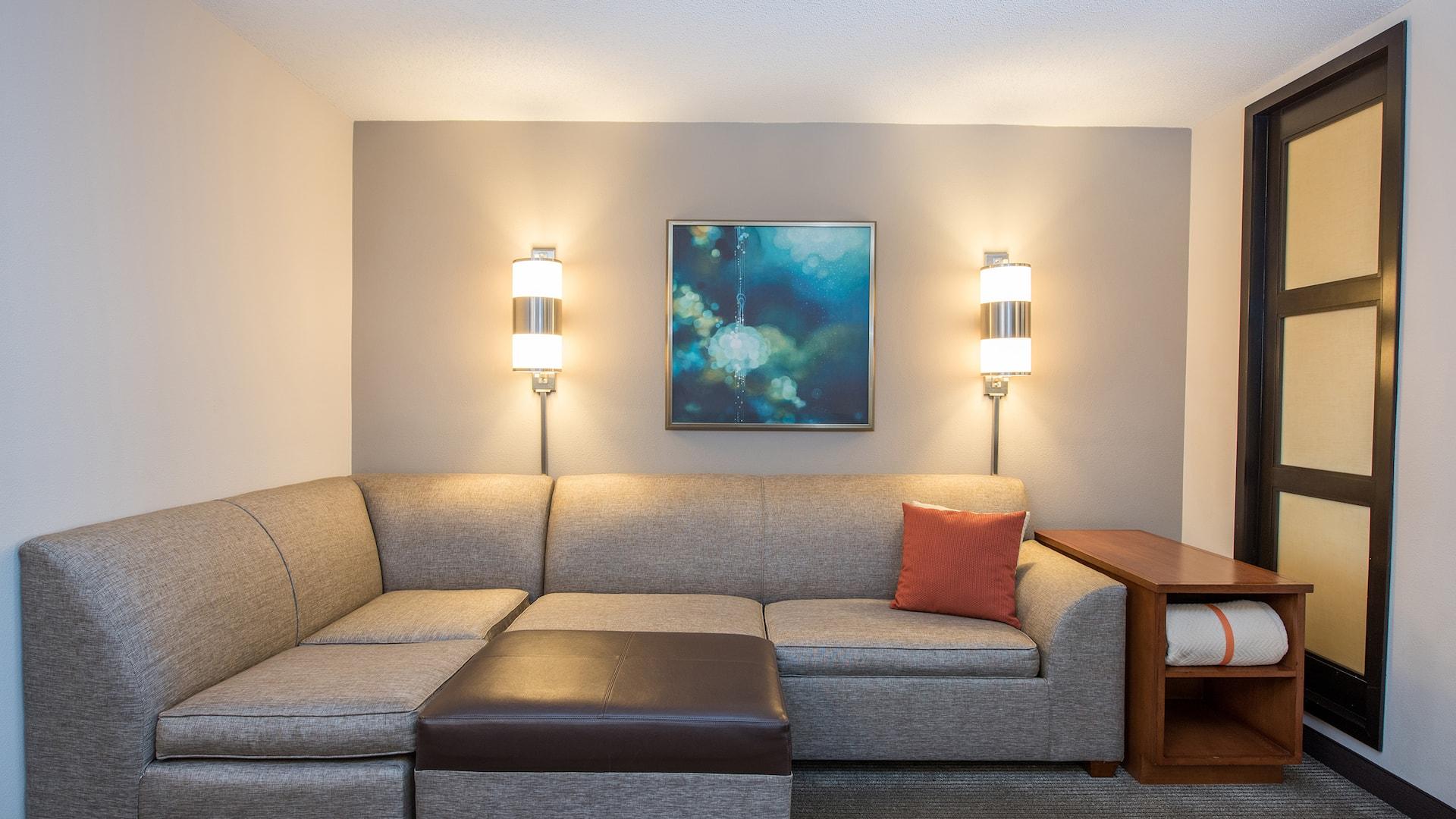 Hyatt Place Minneapolis Eden Prairie Living room