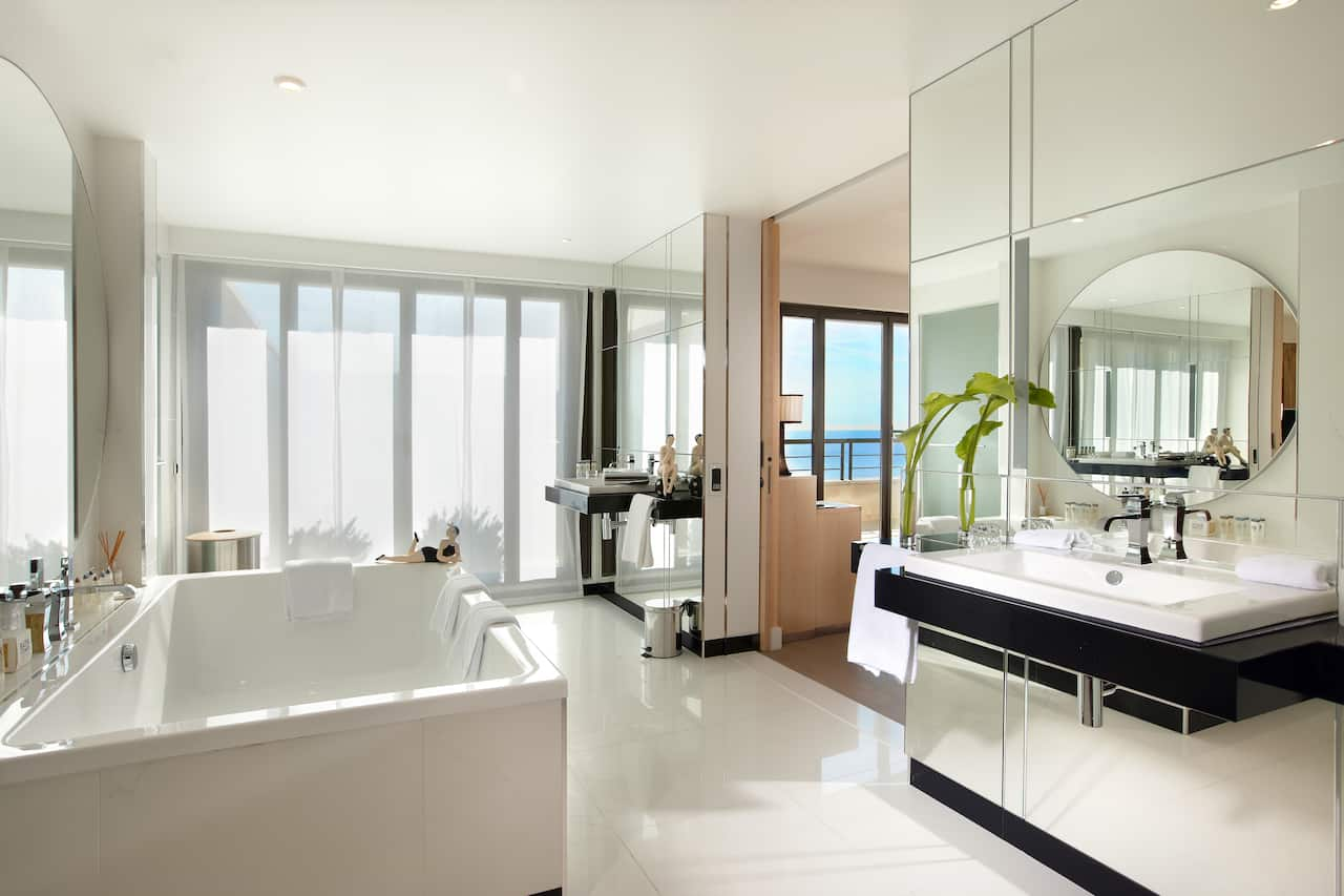 Penthouse Suite Bathroom Hotel in Nice France