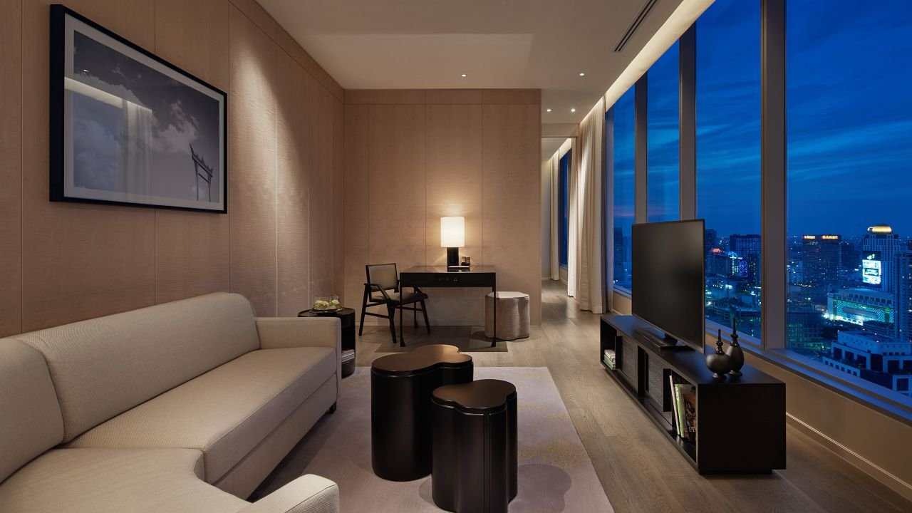 Park Deluxe Suite Living Room​