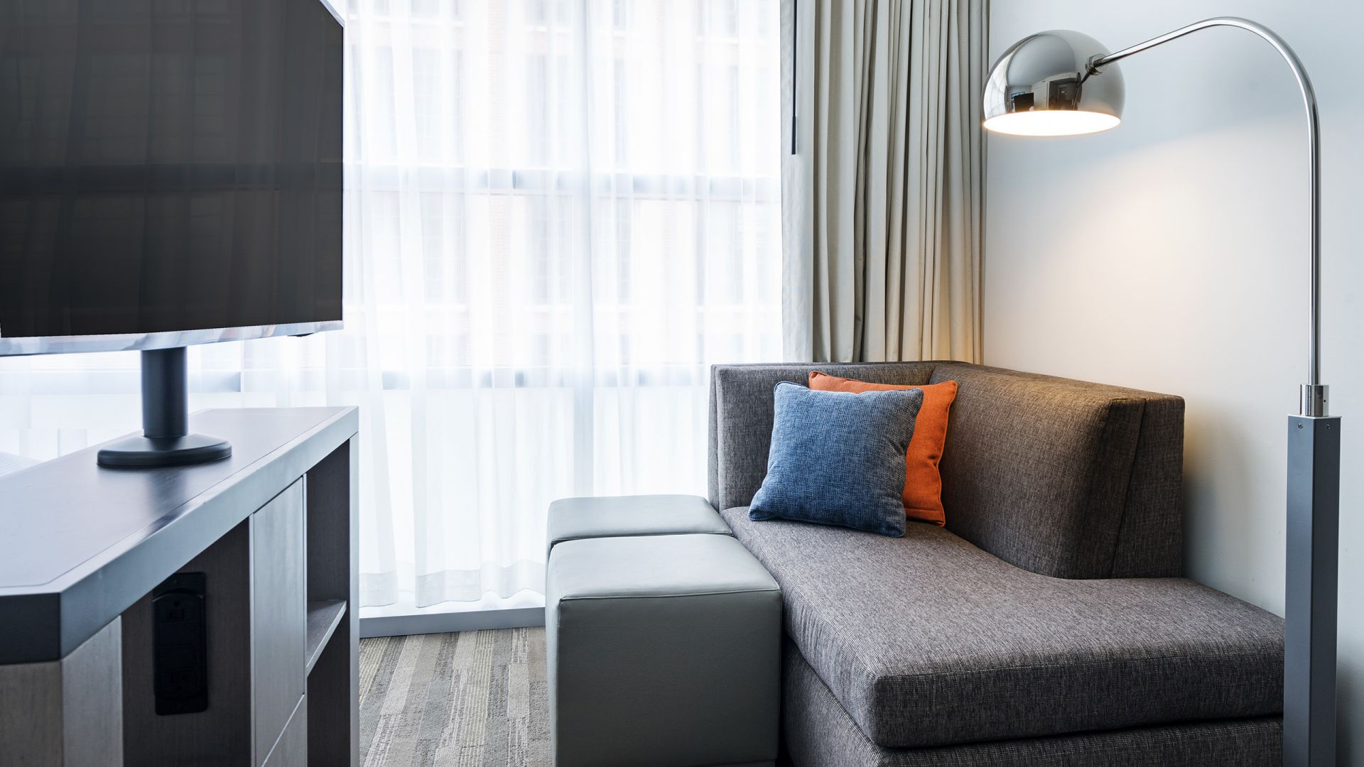 Hyatt House Washington DC, guestroom sofa and tv